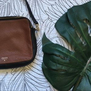 Fossil • Crossbody Cow Hide Bag with Key Detail